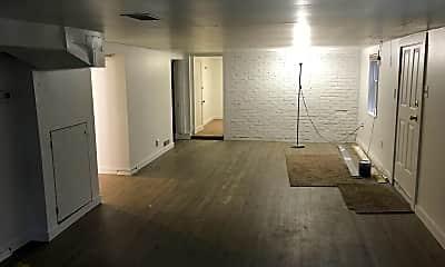 Building, 1525 Humboldt St, 1