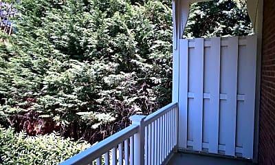 Patio / Deck, 437 W Chestnut St Apt 4, 2