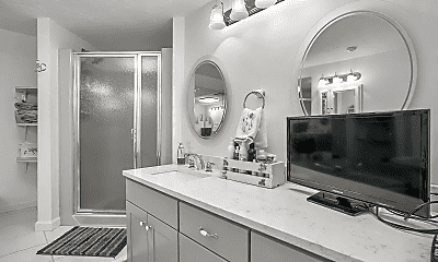 Bathroom, 257 Meredith Neck Rd, 2