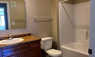 Bathroom, 901 8th Ave S, 2