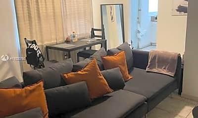 Living Room, 2101 Bay Dr 2, 1