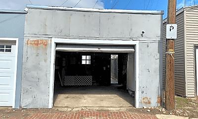 Building, 1363 E St SE, 2