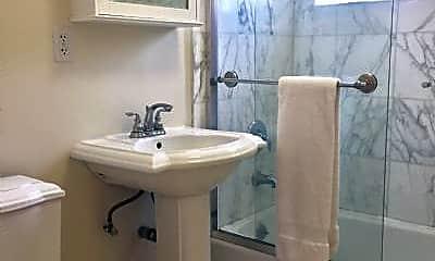 Bathroom, 725 7th St, 2