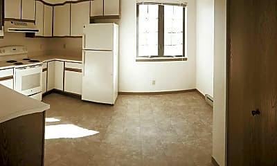 Kitchen, Fox Shores Apartments, 2