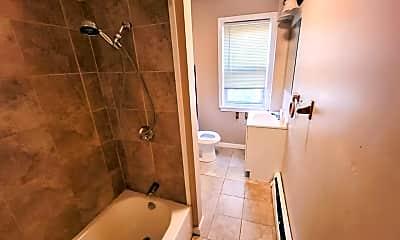 Bathroom, 919 Douglas Ave, 2