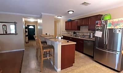 Kitchen, 1012 S Riverside Dr, 1