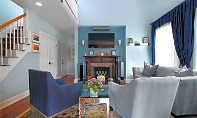 Living Room, 75 Pelham St C, 2