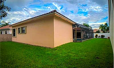 Building, 211 Citrus Trail, 1