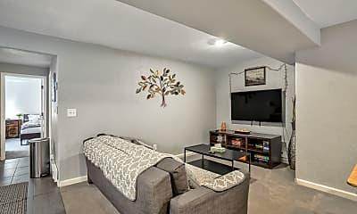 Living Room, 216 N 7th St, 0