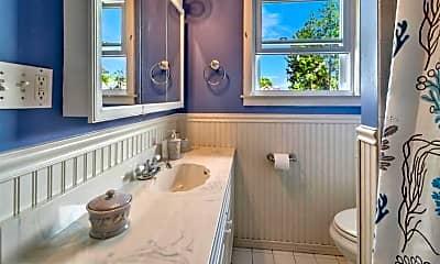 Bathroom, 604 12th Ave, 2