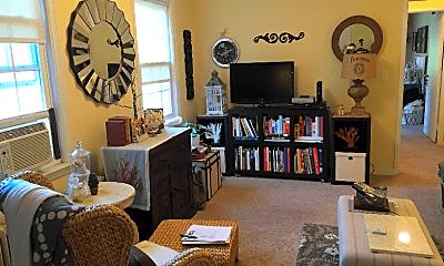 Living Room, 834 Thorn St, 1