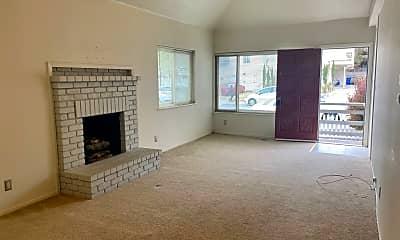 Living Room, 812 Laine St, 1