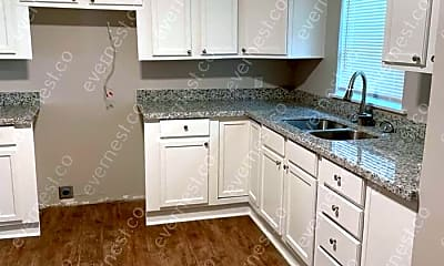Kitchen, 558 N Park Dr, 1