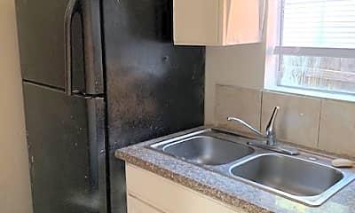 Kitchen, 1074 E 7th St, 1