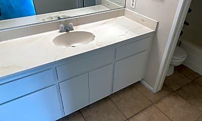 Bathroom, 3525 Albany St, 2