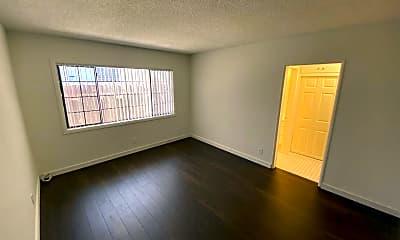 Living Room, 3415 Keystone Av, 1