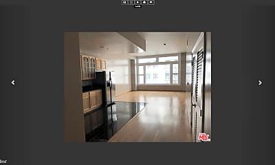 Kitchen, 220 W 5th St, 2