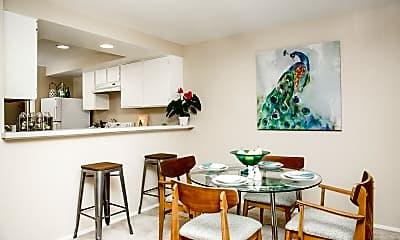 Dining Room, Yarrowood Highlands, 1