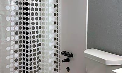 Bathroom, 1120 N Jackson Ave, 2