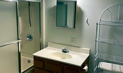 Bathroom, 587 Valley Rd, 2