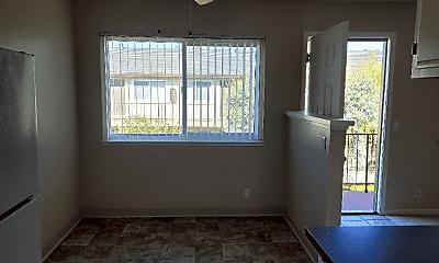 Living Room, 2528 S Bascom Ave, 1