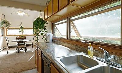 Kitchen, Bass Lake Crossing, 0