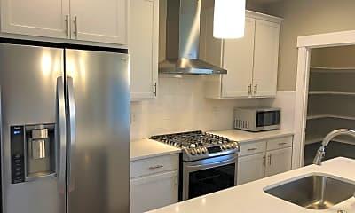 Kitchen, 534 Woodbury Way, 2