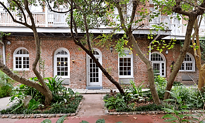 Building, 921 Chartres St, 1