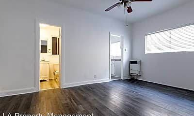 Living Room, 975 S Oxford Ave, 1