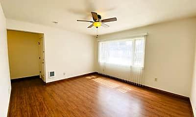 Living Room, 196 41st St, 1