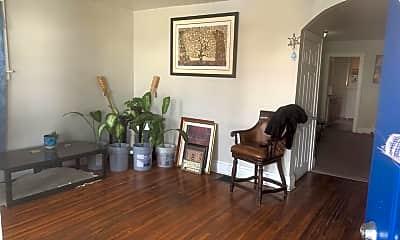 Living Room, 1097 S Ohio Ave, 1