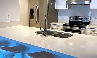 Kitchen, 600 W 9th St, 1