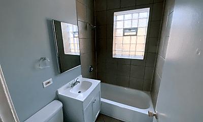 Bathroom, 2406 E 78th St, 2