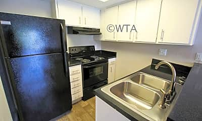 Kitchen, 614 S 1St St, 1