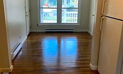 Living Room, 157 portsmouth ave, 2