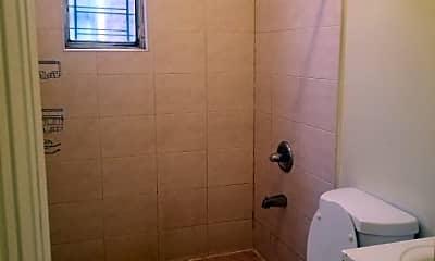Bathroom, 107-03 Guy R Brewer Blvd 2R, 2