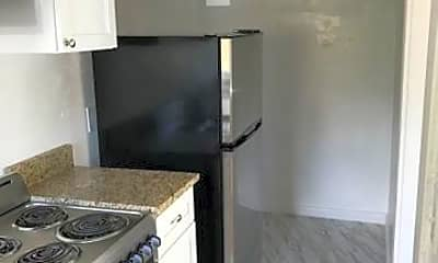 Kitchen, 521 Kanuga Dr, 1