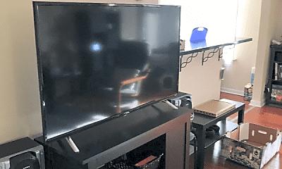 Living Room, 402 N Delaware St, 1