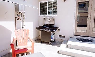 Living Room, 6217 Carpenter Ave, 2