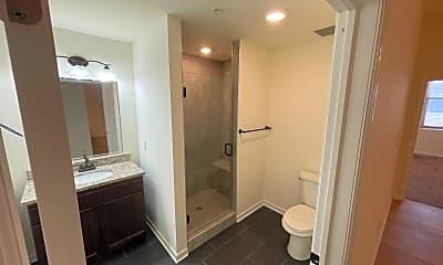 Bathroom, 99 Pine St, 2