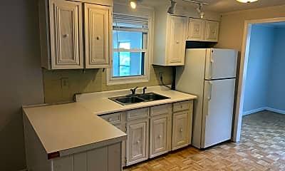 Kitchen, 1104 James Ct, 1