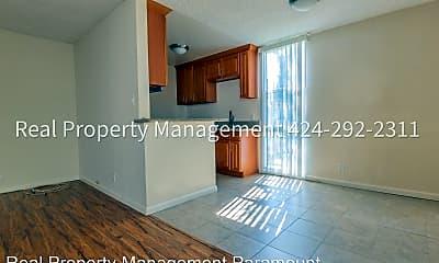 Kitchen, 8013 Blackburn Ave, 1