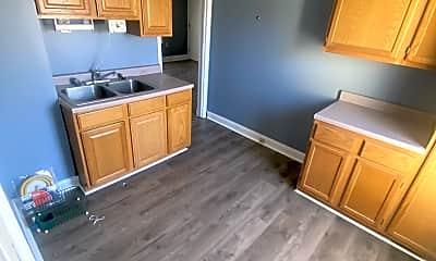 Kitchen, 6708 Guthrie Ave, 1