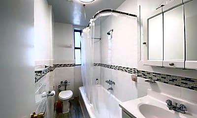 Bathroom, 4646 Broadway, 2