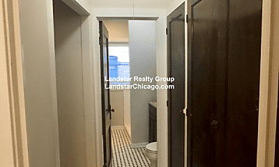 Bathroom, 1441 W Lunt Ave, 2