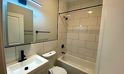 Bathroom, 2401 S Homan Ave, 2