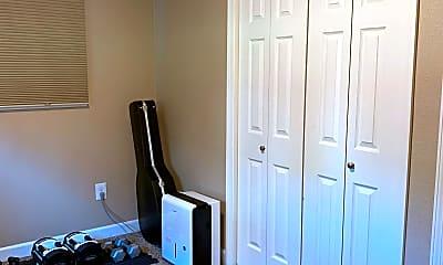Bedroom, 107 Grove St, 2