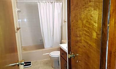 Bathroom, 216 N Front St 10, 2