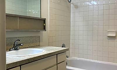 Bathroom, 8451 SE Foster Rd, 2