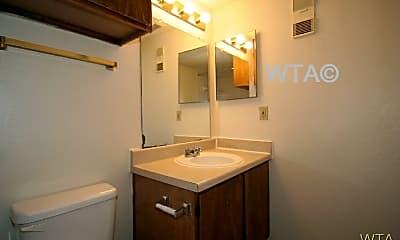 Bathroom, 2504 Huntwick, 2